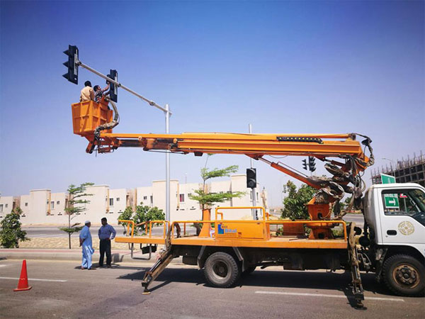 Pakistan - fully actuated traffic signal control
